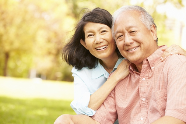 GettyImages_514589515_senior couple man woman outdoors